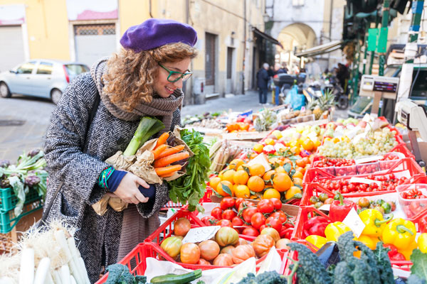 Women shopping at farmers market - Future Thinking